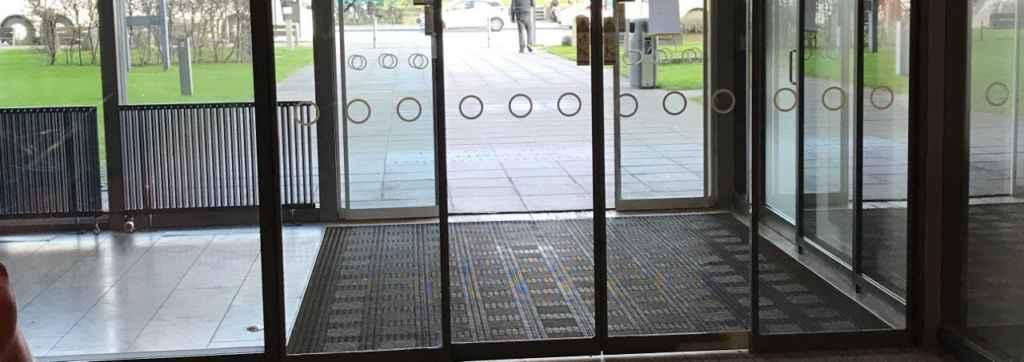Dørpumpe automatisk dorma dørlukker